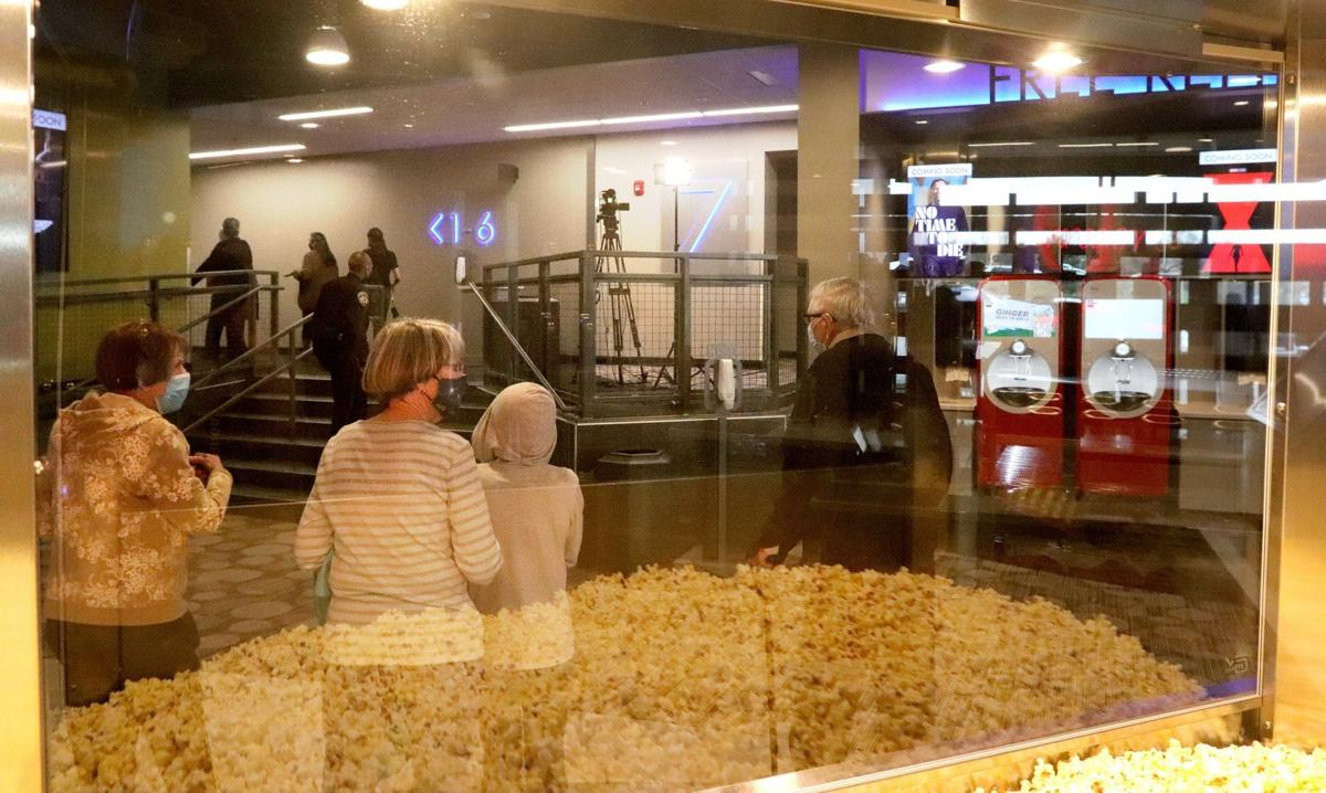 New movie theater opens in Alton