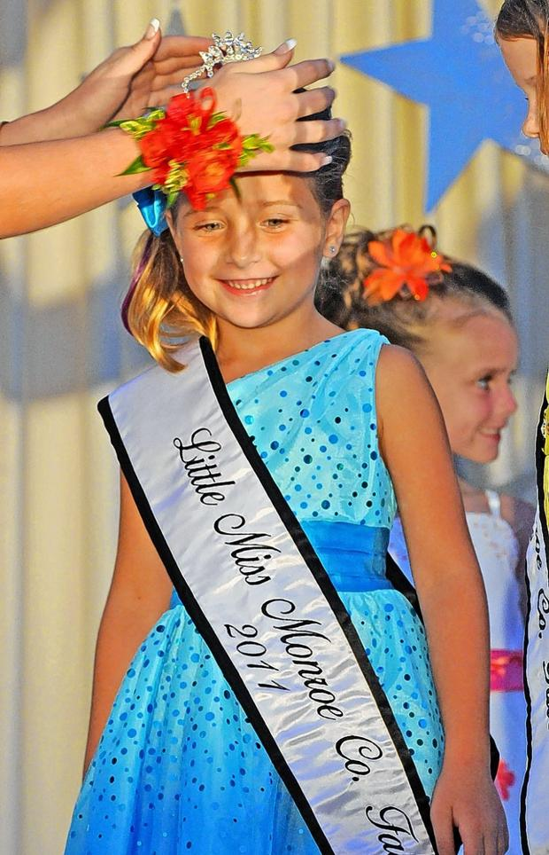 Monroe County Fair S Crowning Tradition Returns Suburban