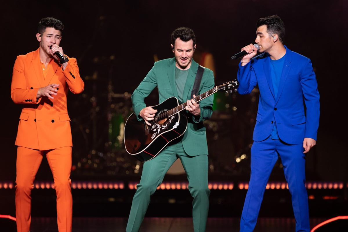 iParty: Jonas Brothers performed at Enterprise Center
