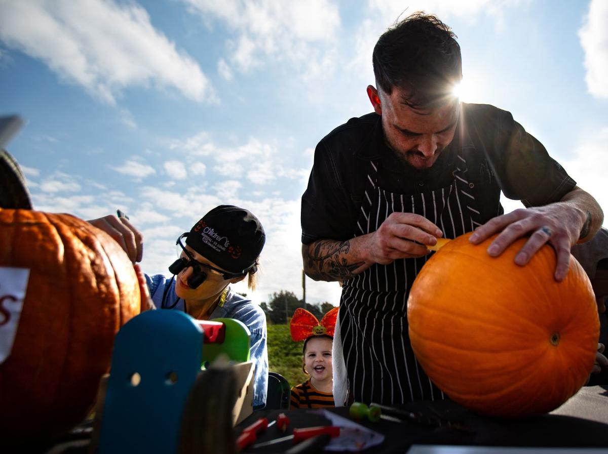 Photos: Surgeons and Chefs compete in Pumpkin Wars