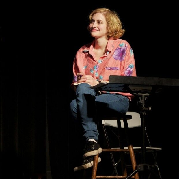 Jo Firestone at the Punderdome