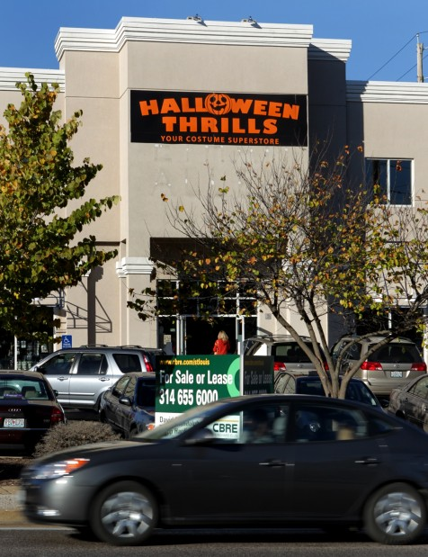 As holiday draws to a close, Halloween stores prepare to vanish ...