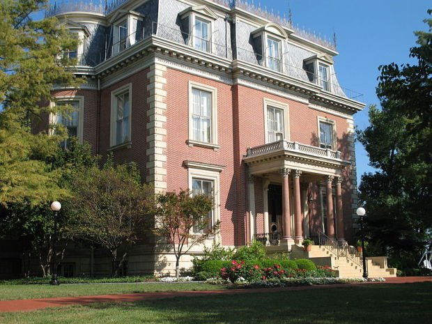 Greitens And His Family Plan To Live In Governor S Mansion