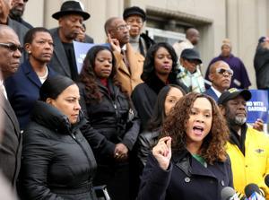 Οι εισαγγελείς συγκλίνουν στο Σεντ Λούις για την υποστήριξη των Κυκλωμάτων Δικηγόρος Gardner, εν μέσω έρευνας