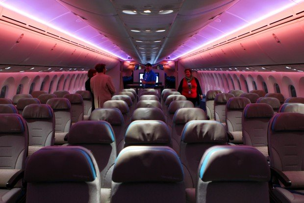 Boeing Dreamliner forges bond between St. Louis and Seattle ...