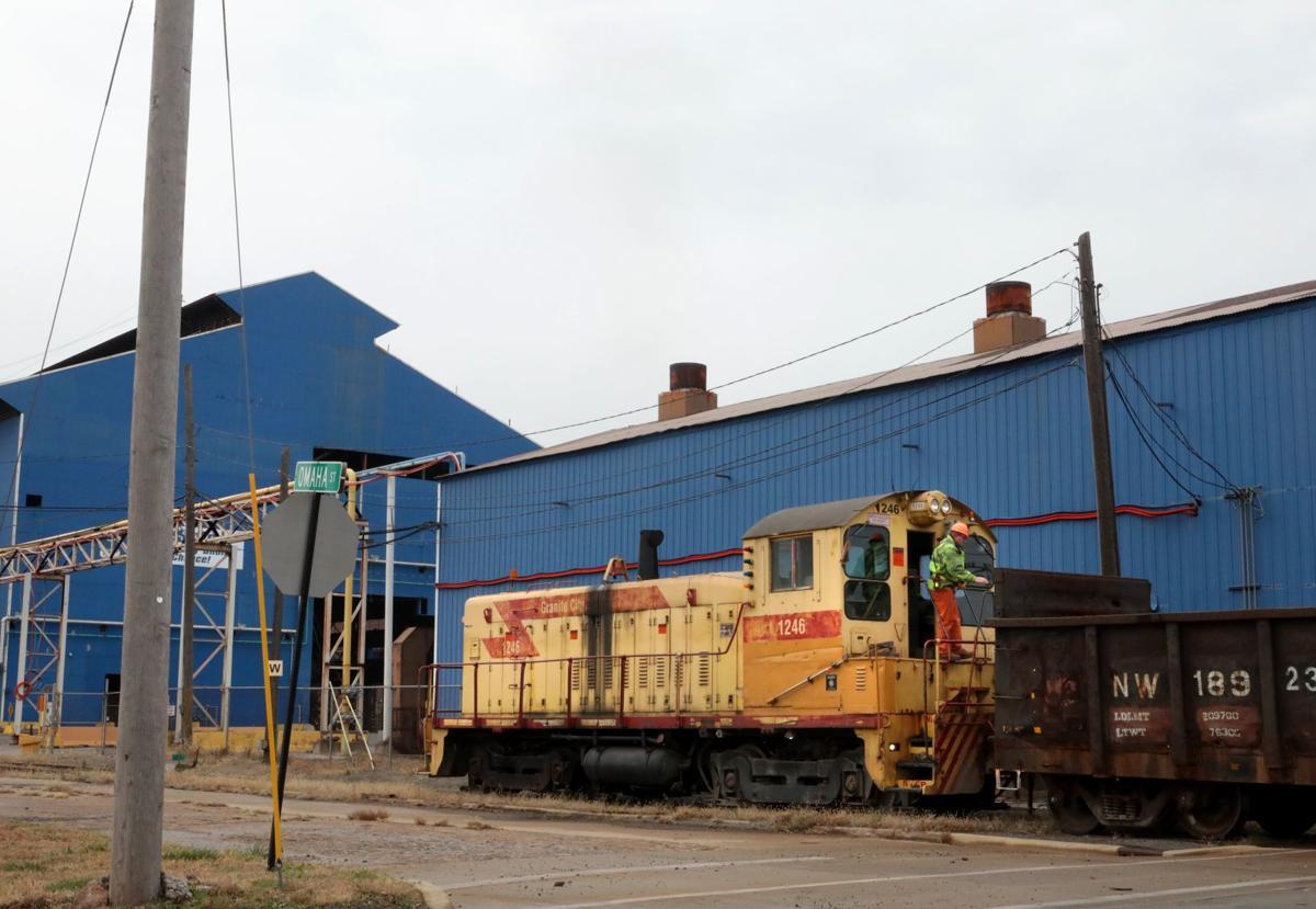 Granite City holds out hope steel jobs return