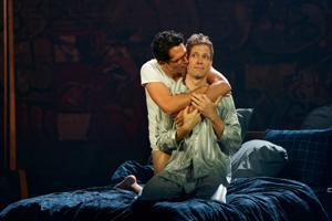 Brillante, atemberaubende 'Angels in America' öffnet die Saison am Repertory Theatre of St. Louis