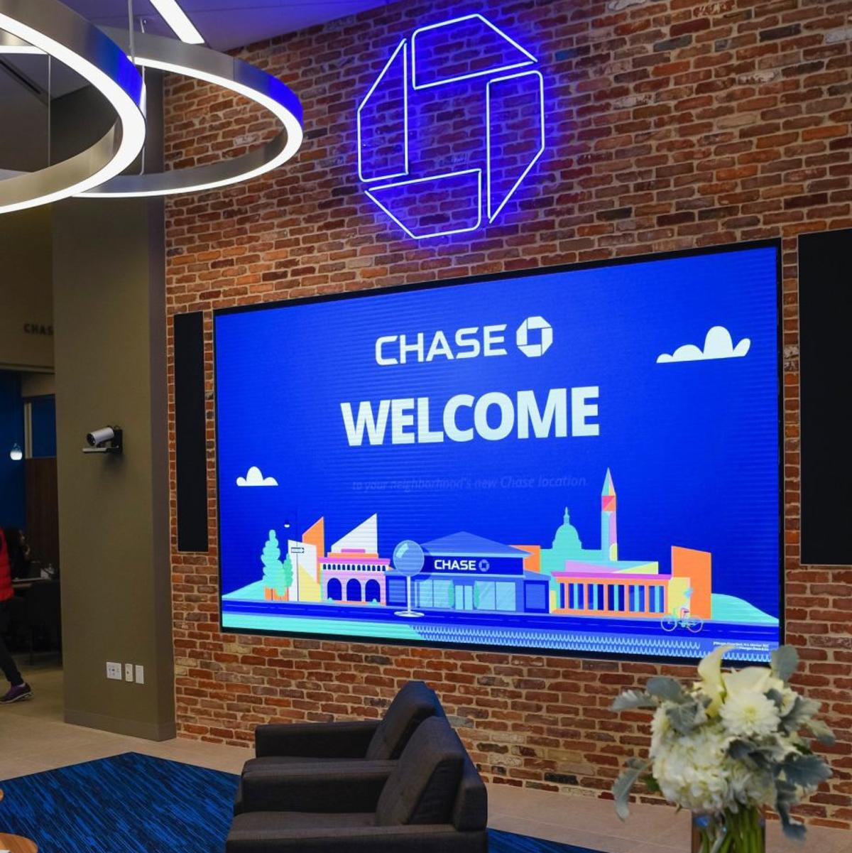 Chase Bank expanding to St  Louis with multiple branches | David