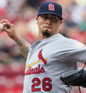 Kyle Lohse pitches against the Reds