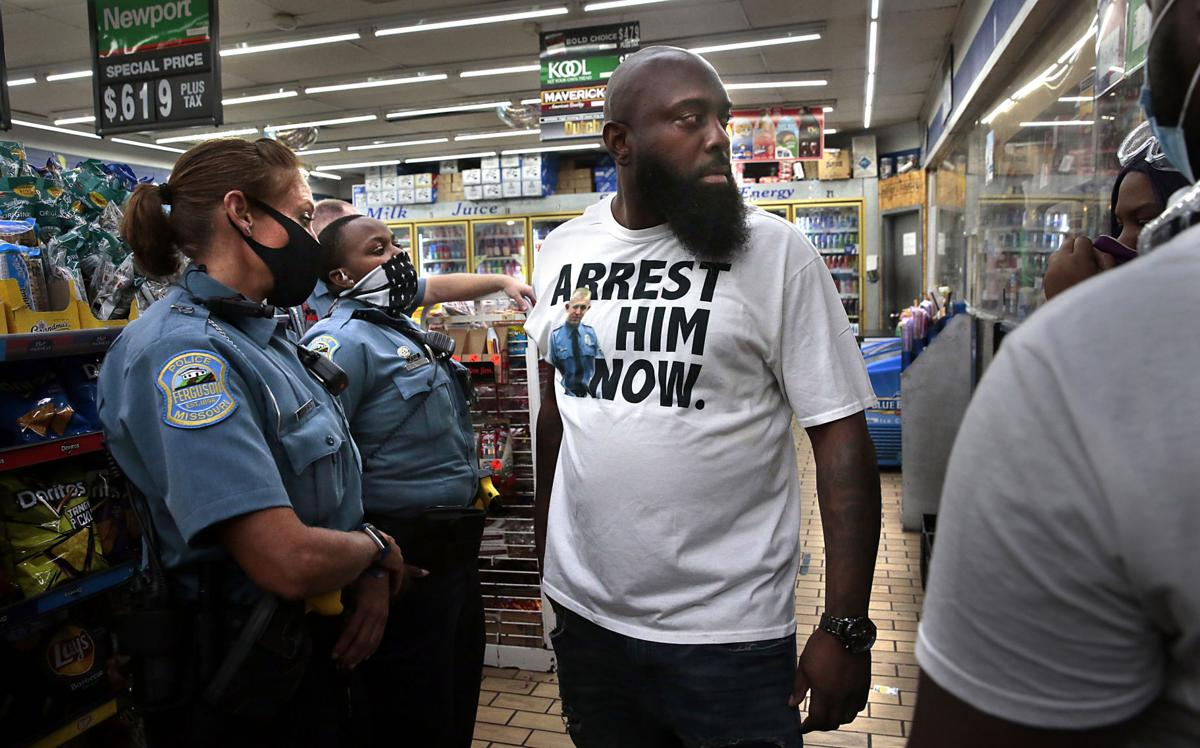 Protesters return to Ferguson