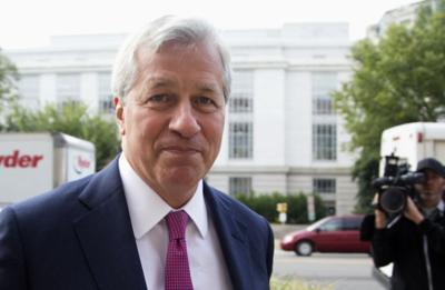 JPMorgan shareholders OK 74 percent pay hike for Jamie Dimon