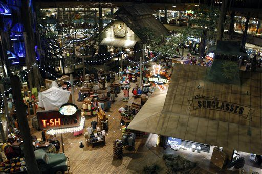Memphis Pyramid Opens Today As Bass Pro Superstore And Hotel