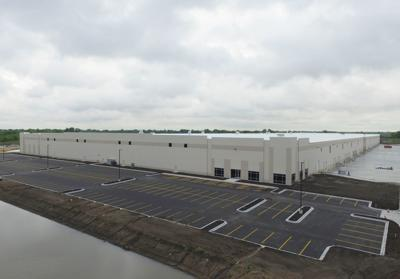 Lakeview Commerce Center