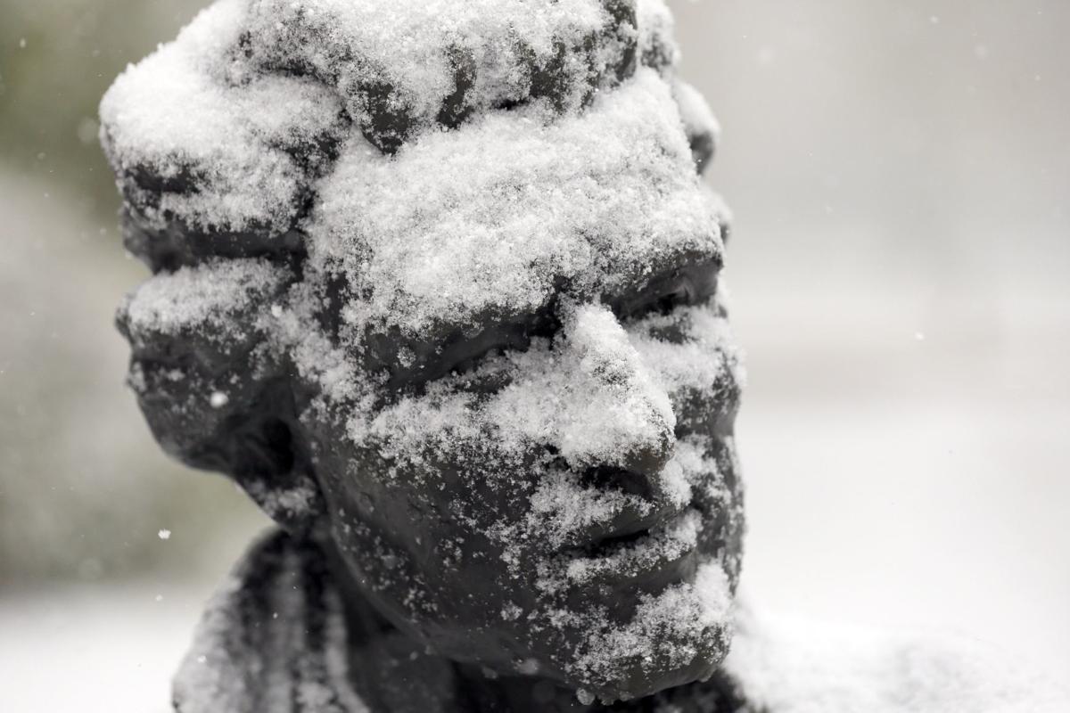 Snow hits St. Louis region