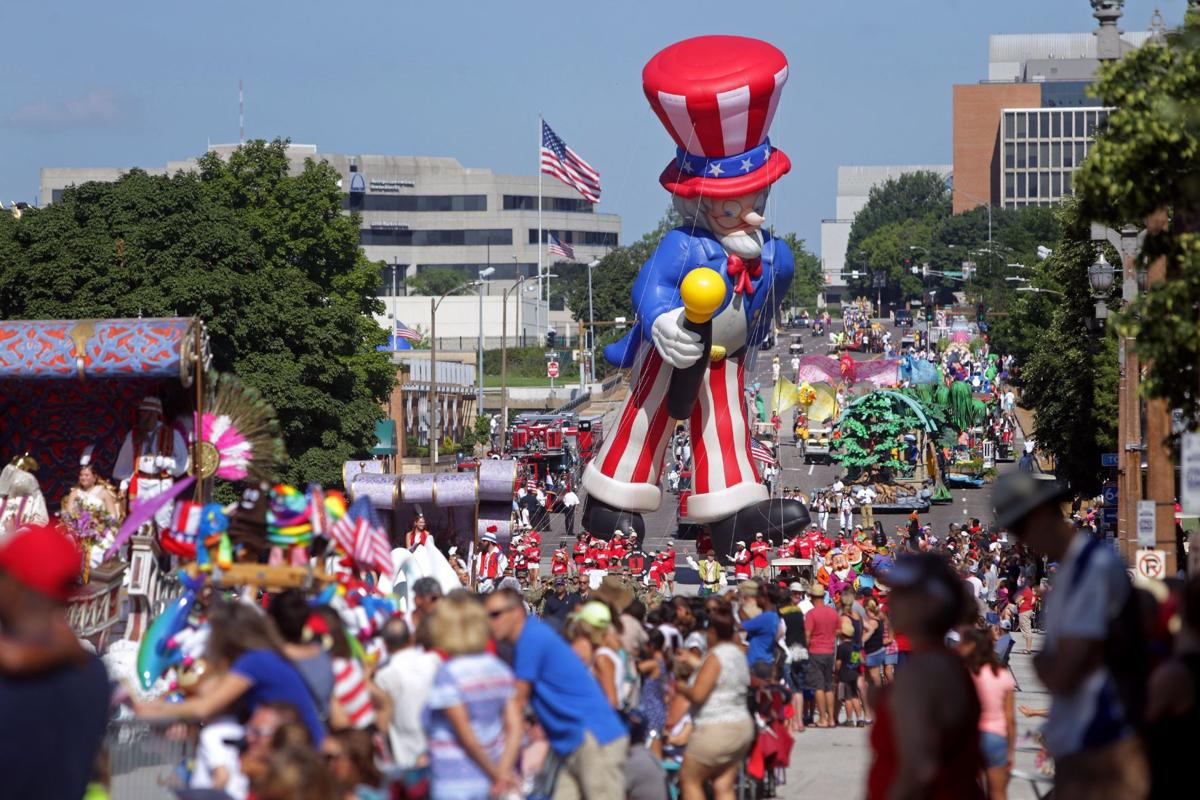 Veiled Prophet Parade cruises through downtown St. Louis