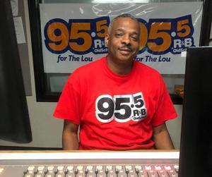 DJ Kut bagian cara dengan radio 95.5 FM dan lainnya on-air kepribadian