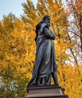 Columbus statue