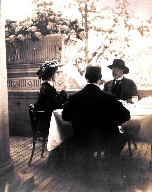 Dining at the 1904 World's Fair