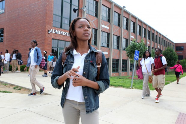 Eboni Boykin looks for a teacher after school