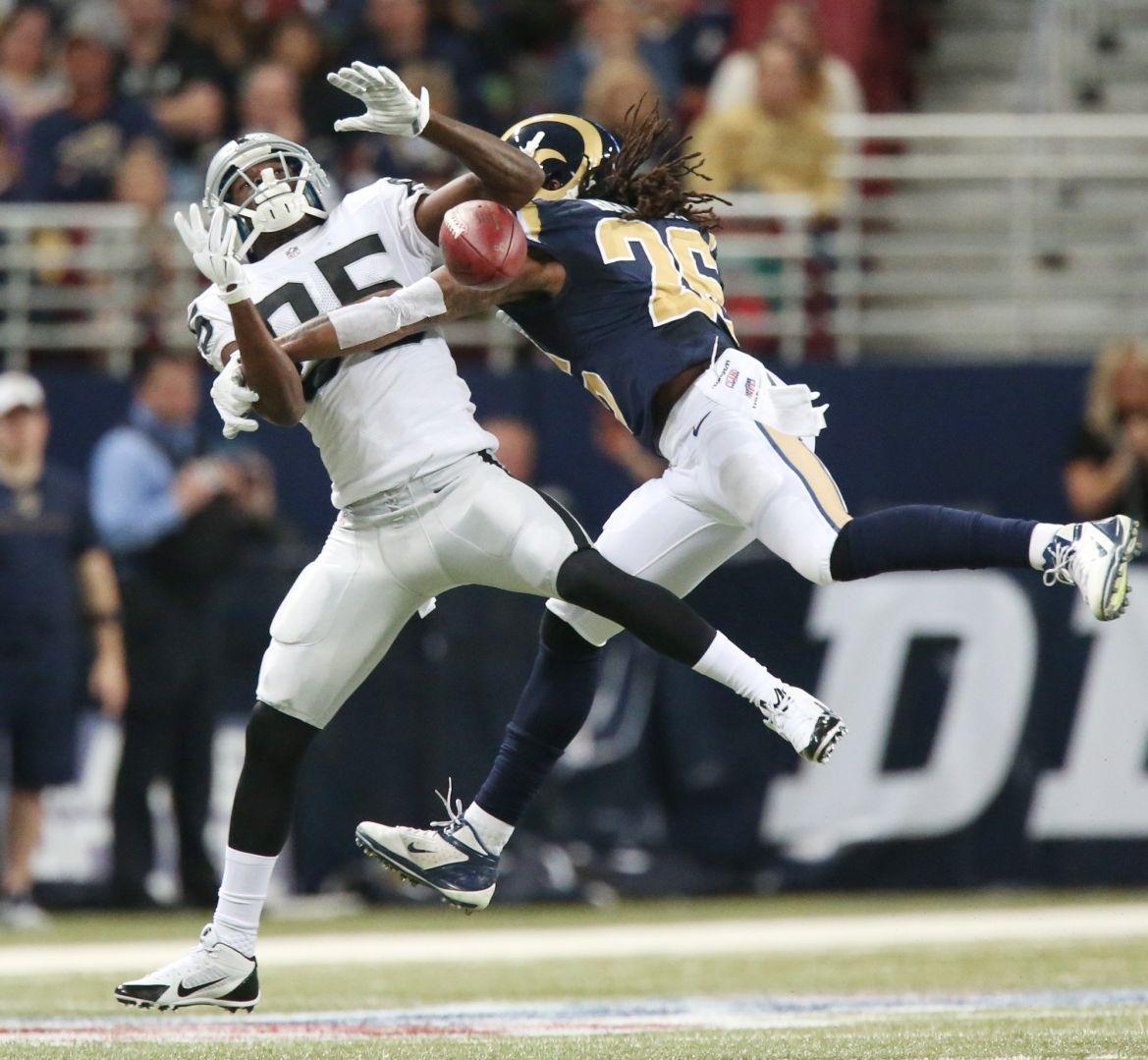 St. Louis Rams v Oakland Raiders