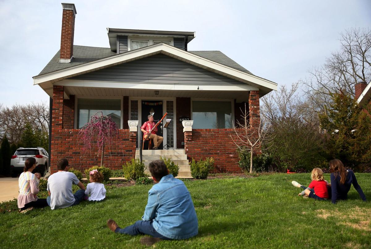 St. Louis Symphony Orchestra bassoonist gives porch performance