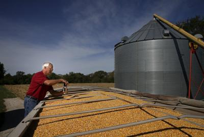 Missouri farmers dealing with drought and tariffs