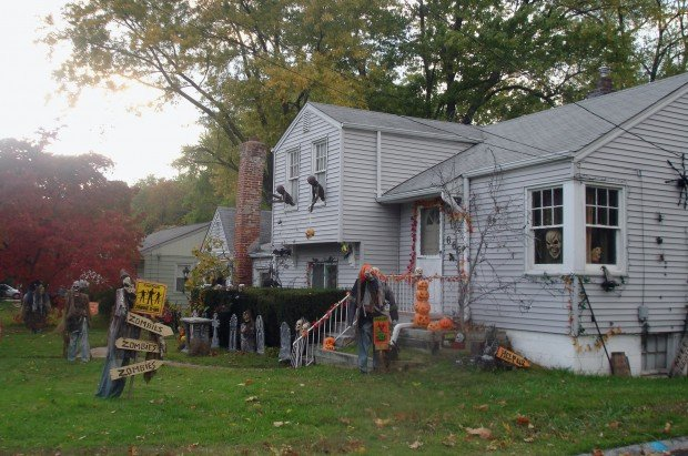 halloween house decoration - Best Halloween Decorated Houses