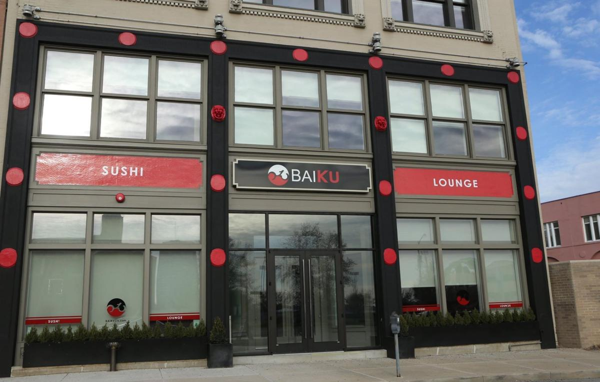 Baiku Sushi Lounge serves crowd near St. Louis U.