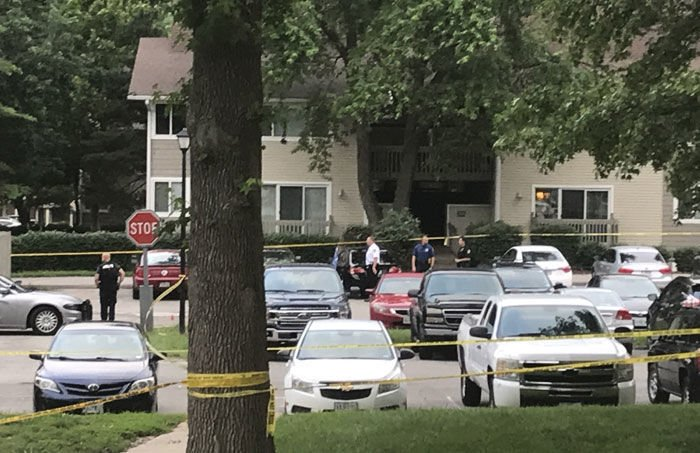 Maryland Heights police officer shot at apartment complex