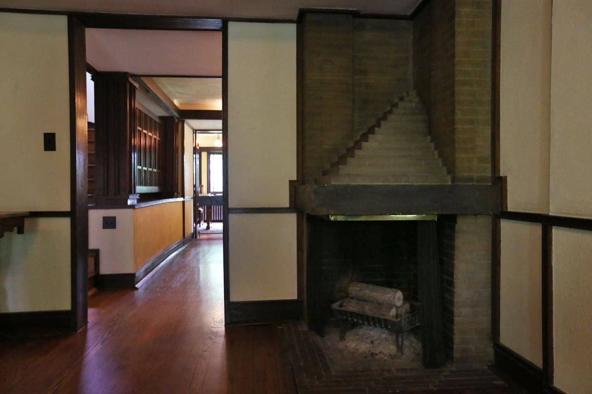 historic home in edwardsville designed by walter burley griffin