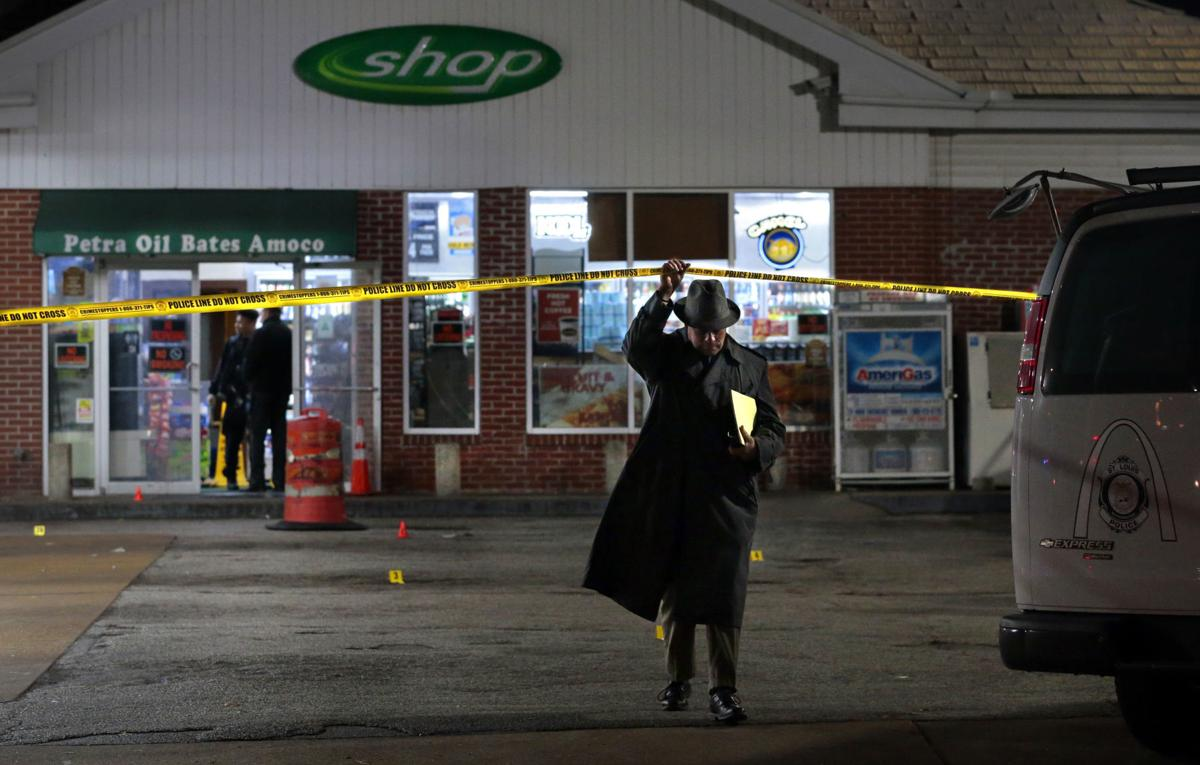 Police investigate shooting at gas station in Carondelet