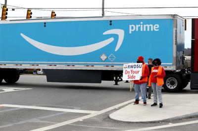 FILE PHOTO: Congressional delegation to Amazon plant