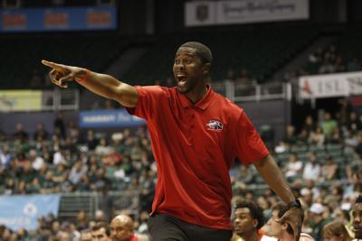 SIU Edwardsville Hawaii Basketball