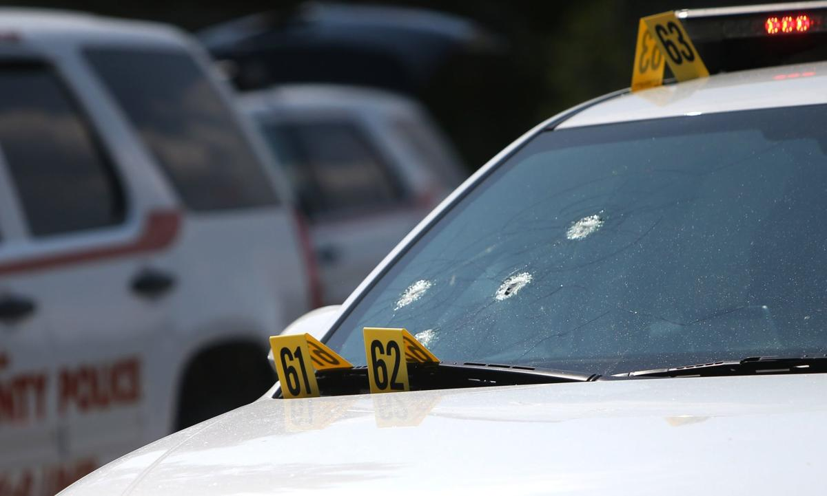 Police standoff on I-55 ends with suspect dead | Law and