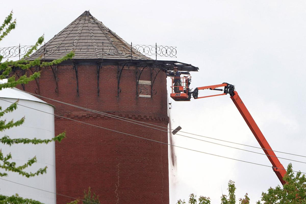 Old water tower on Lindenwood campus to come down