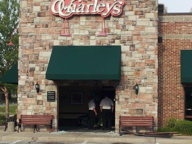Minivan Drives Through Front Door Of St Louis County Restaurant