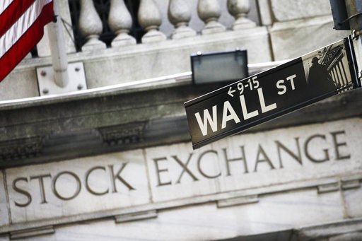 Global stocks rise as Wall Street breaks new records