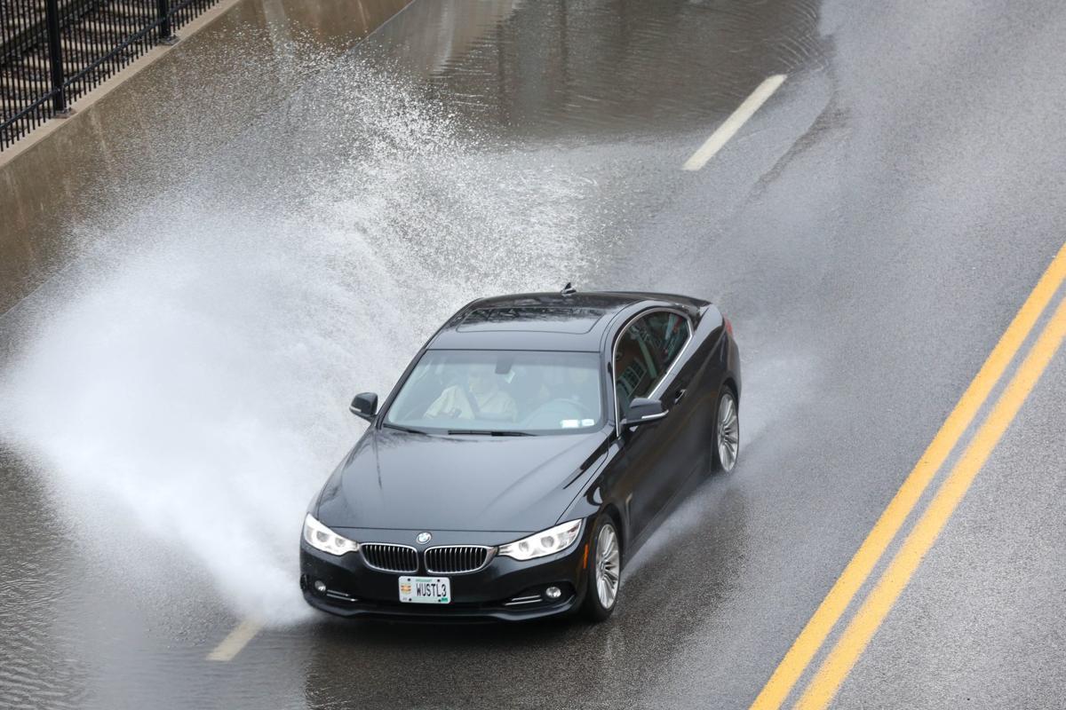 With Flash Flood Warning In Southwest Missouri Greitens Declares Emergency Metro Stltoday Com