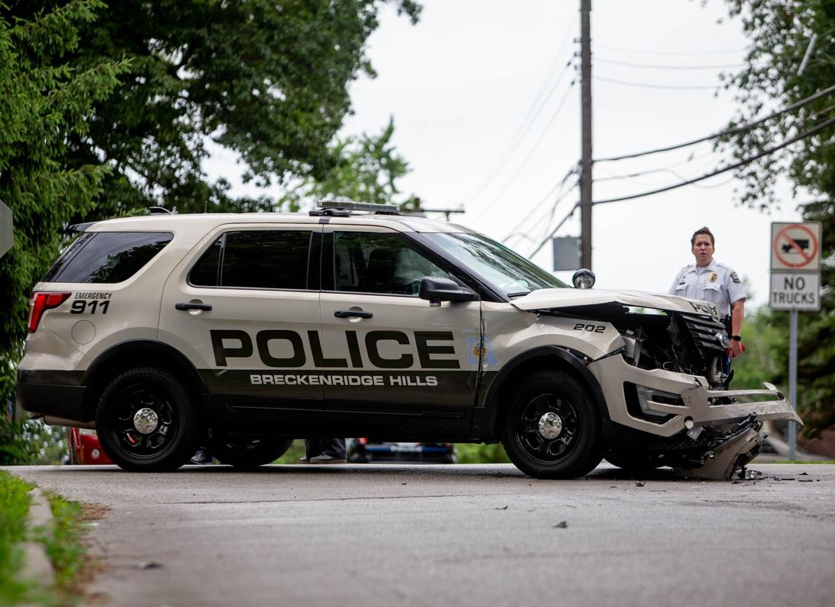 Overland and Breckenridge Hills officers collide en route to scene