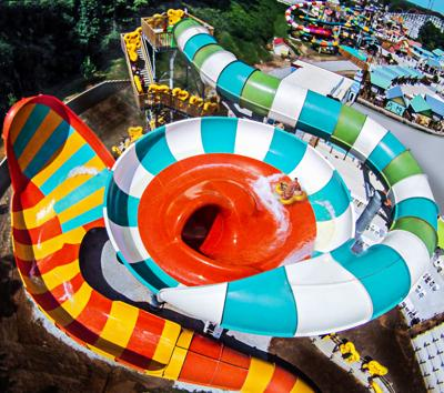 water slide injury at six flags st louis highlights lax regulation
