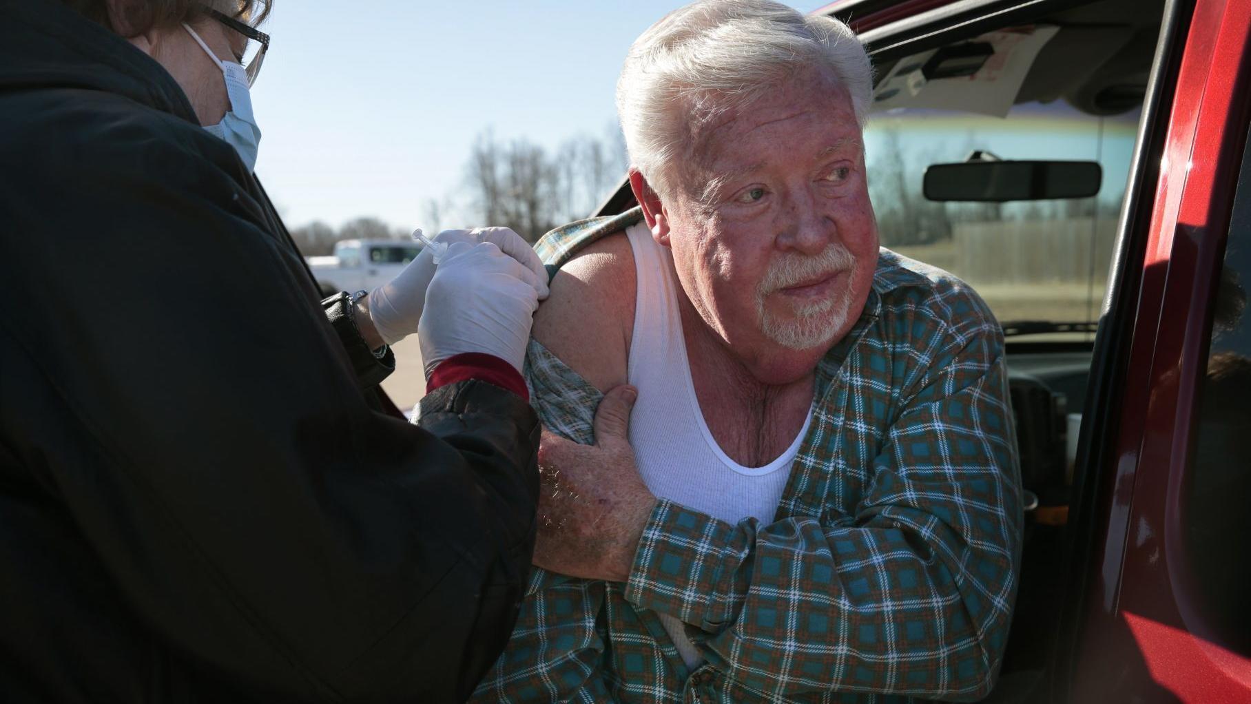 Missouri, Illinois report declines in COVID-19 cases