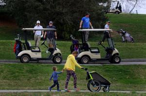 Stadt schließt den öffentlichen tennis -, basketball-courts und bars, die Nutzung von golf-carts in Forest Park Kurse