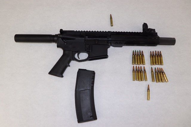 Gun confiscated after man ran at St. Louis police officers in alley with pistol