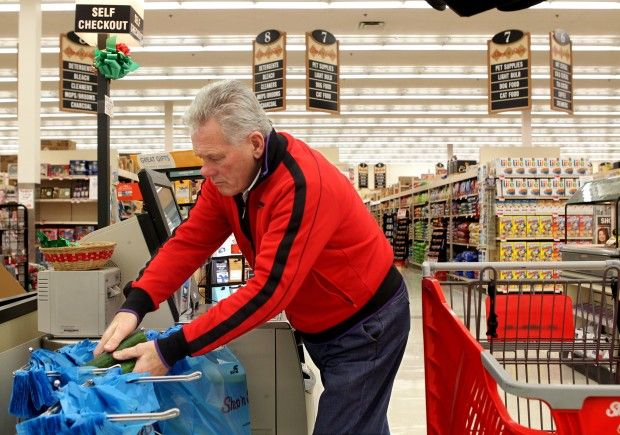 Grocery chains court male shoppers with product groupings