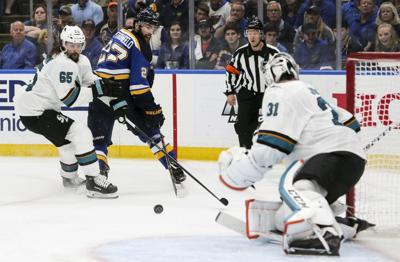 Blues look to redeem in Game 4
