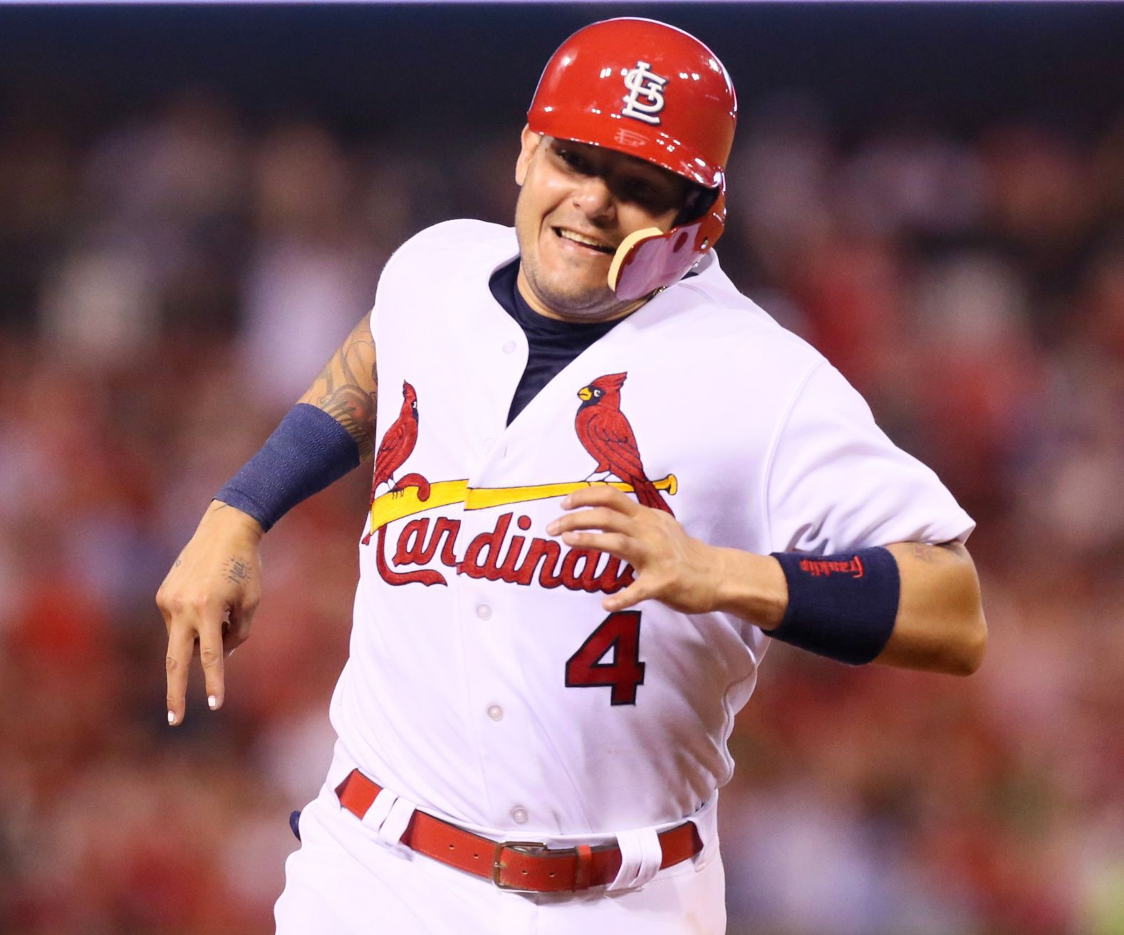 Yadier Molina takes issue with Mike Matheny over quote about fatigue