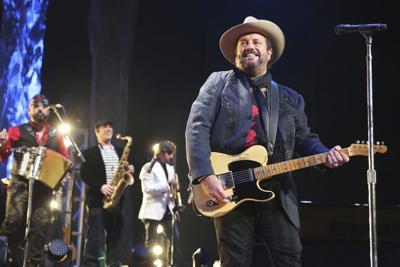 The Mavericks in Concert - Nashville, TN
