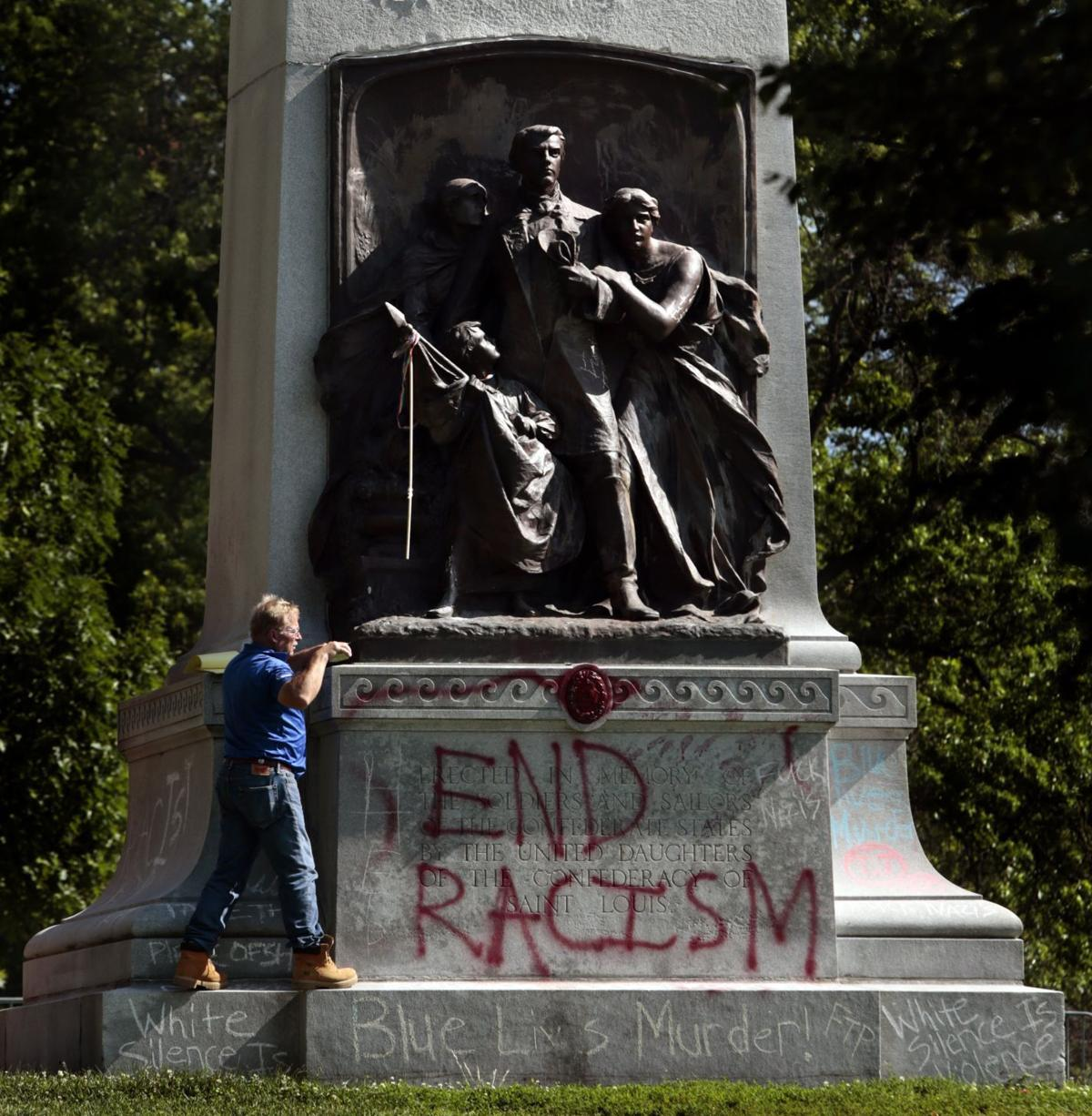 Confederate monument movement is delayed