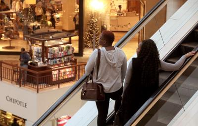 St. Louis Galleria open for Black Friday shopping