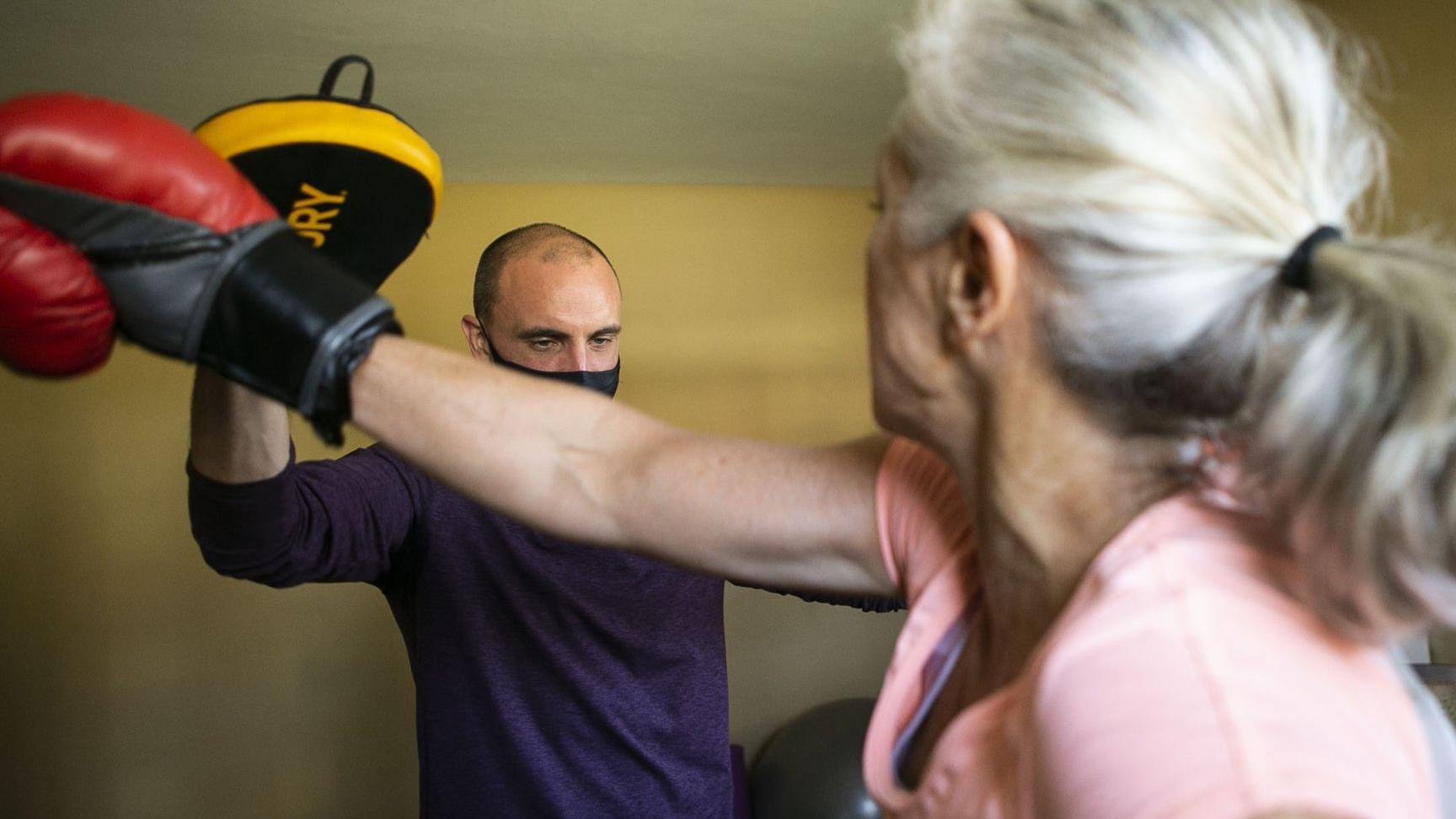 Traveling trainers make fitness house calls during pandemic